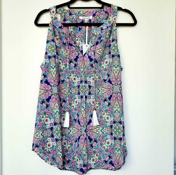 Rose & Olive Tops - NWT Colorful ROSE + OLIVE Sleeveless Blouse